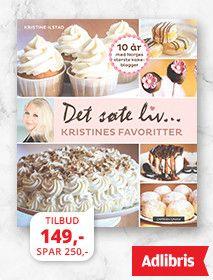 """""""Himmelsk fromasjkake"""" består av en mandelbunn som dekkes med to forskjellige lag fromasj: et lag med nydelig eggefromasj og et lag med kremfromasj som inneholder sjokoladebiter. Kaken pyntes med masse hermetiske mandariner. Nydelig smaksopplevelse! Oppskriften tilhører tanten til min mann, navnesøster """"tante Kristine"""". Kaken på bildet er bakt på bestilling til svigermor, """"fordi alle sier at fromasjkaken til tante Kristine er så god"""". White Chocolate Cheesecake, Winter Holidays, Scones, Granola, Muffins, Snacks, Baking, Desserts, Recipes"""