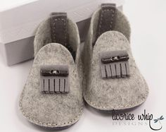 OAKLEY — 100% Wool Felt Hand Stitched Heather Grey Fringe Baby Booties with Custom Box makes great baby gift