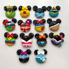Choose one Bow Clay center disney princess clay charm Clay Sculpey Clay, Cute Polymer Clay, Cute Clay, Polymer Clay Dolls, Polymer Clay Charms, Polymer Clay Princess, Polymer Clay Disney, Clay Crafts For Kids, Clay Pot Crafts
