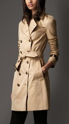 Launch someone's grownup closet with a classic @Burberry trench #collegegraduation