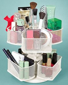 diy makeup organizer from the lazy suan: cool makeup storage ideas - Eye Makeup Tutorials and Tips Diy Makeup Organizer, Diy Makeup Storage, Make Up Storage, Makeup Organization, Storage Ideas, Diy Storage, Storage Baskets, My New Room, My Room