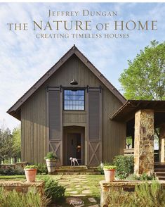House Tour: Cottage on Lake Keowee - Design Chic Zaha Hadid, Southern Living, Coffee Table Books, Traditional House, Timeless Design, House Tours, Building A House, Architecture Design, Design Architect