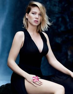 Your number source for everything dedicated to the beautiful and talented French actress Léa Seydoux. Beautiful Celebrities, Beautiful Actresses, Beautiful Women, Beautiful Gorgeous, Lea Seydoux Adele, Star Francaise, Bond Girls, French Beauty, French Actress