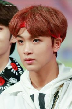 Haechan does something with me.. like he gives me that kinda vibe which is really attractive (not in a sexual way tho lol, fo)