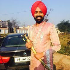 Punjabi Boys, Punjabi Suits, Fashion Sale, Mens Fashion, Enfield Classic, Boy Poses, Menswear, Leather Jacket, Stylish