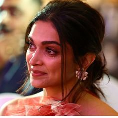 Proud Daughter Deepika Padukone Dines In With Family After Father Wins Lifetime Achievement Award For Exceptional Contribution In Sports ! Deepika Padukone Latest, Deepika Ranveer, Deepika Padukone Style, Shraddha Kapoor, Ranbir Kapoor, Priyanka Chopra, Deepika Padukone Hairstyles, Aishwarya Rai, Shahrukh Khan