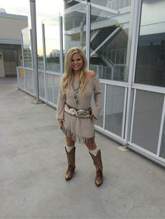 Union of Angels dress, Justin Boots and Quincy Belt