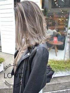 Brown Blonde Hair, Brunette To Blonde, Ladies Night Outfit, Hair Inspo, Hair Inspiration, Haircuts Straight Hair, Hair Setting, Curled Hairstyles, Hair Dos