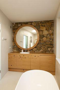 Skvadra: usedlost v Jižních Čechách Architecture Design, Vanity, Mirror, Bathroom, House, Furniture, Home Decor, Architekti, Lazy