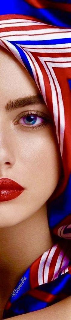 Stripes Fashion, Blue Fashion, Color Fashion, Perfect Red Lips, Nyc Girl, Pin Logo, Gorgeous Women, Beautiful, Red White Blue