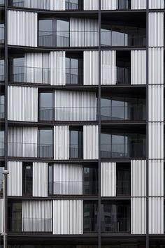 Viviendas en la Ria de Bilbao, Bilbao, Spain // OAB Ferrater