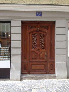 2 Carved Door, Door Furniture, Tree Houses, Cathedrals, Grills, Heavens, Door Design, Cottages, Gate