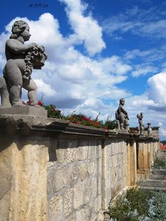 Rounded putti at the Quedlinburg Castle.