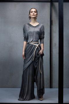 ad83bafe654d8 2019 için en iyi 2759 ==GREY== görüntüsü | Ladies fashion, Woman ...