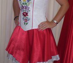 Kézi hímzésű menyecske ruhák Lady, Womens Fashion, Skirts, Dresses, Style, Gowns, Women's Fashion, Dress, Feminine Fashion