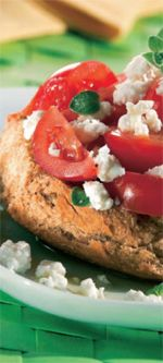 Cretan dry bread (dako) topped with tomato, feta cheese, oregano and olive oil Greek Desserts, Greek Recipes, Wine Recipes, Group Meals, Tasty Dishes, Love Food, Olive Oil, Dry Bread, Visit Greece