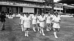 44 Iconic Photos Every Cricket Fan Should See - History One Day Cricket, Cricket Score, Live Cricket, Cricket Match, Mens World Cup, England Cricket Team, T20 Cricket, Peter Davison, Cricket Wallpapers