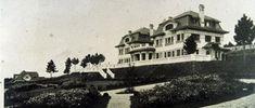 La casa Bailly o finca El Grajal. San Pedro de Nós. A Coruña Construida entre 1920 y 1924 por los arquitectos Antonio Tenreiro y Peregrín Estellés para su propietario Julio López Bailly.
