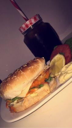 #rerosham #photo #pic #syria #damas #Arabic #سينيورينا_دمشقية #عربي #دمشق #سوريا #snapchat #burger #dinner #food