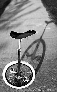 monociclo - Buscar con Google Adventure Stories, Unicycle, Shadow Art, Vintage Circus, Life Is Good, Cycling, Joy, Bike, Google