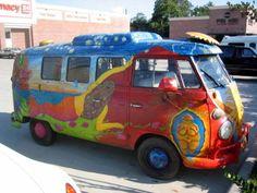 Volkswagen type 1 and 2 Kombi wagen VW vans, Surfing bus, Kombi wagons, VW owners clubs. Volkswagen Bus, T1 Bus, Volkswagen Transporter, Vw T1, Vans Vw, Mundo Hippie, Hippie Camper, 70s Hippie, Hippie Style