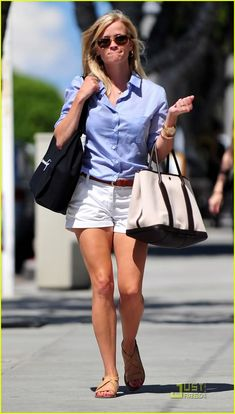 I love that she looks casual but pulled together.