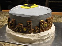 Fun Batman cake