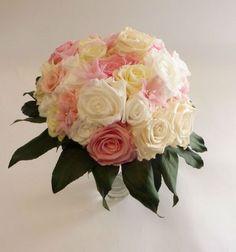 bouquet de mari e en fleurs stabilis es bouquet de. Black Bedroom Furniture Sets. Home Design Ideas