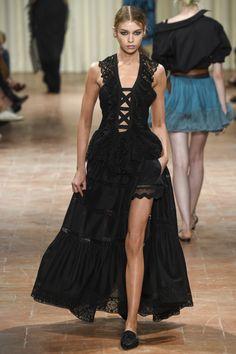 Alberta Ferretti | Ready-To-Wear | Весна-лето 2017 | Коллекции | Glamour.ru