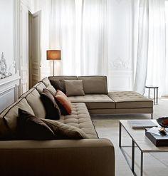 Perfekt soffa i en perfekt beige ton. Här kommer fen italiensk elegansen fram.