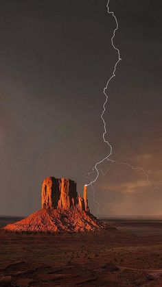 Science Discover Monument Valley struck by lightning. Landscape Photos Landscape Photography Nature Photography Photography Tips Travel Photography Iphone 7 Wild Weather Thunder And Lightning Lightning Storms Monument Valley, Landscape Photography, Nature Photography, Photography Tips, Landscape Photos, Travel Photography, Iphone 7, Wild Weather, Thunder And Lightning