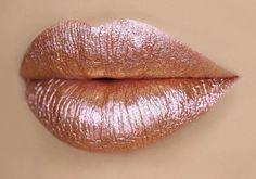 gold lipstick is going viral, but you may not want to buy it This rose gold gloss is absolutely gorgeous but its maker has a controversial past.This rose gold gloss is absolutely gorgeous but its maker has a controversial past. Rose Gold Lipstick, Glitter Lipstick, Rose Gold Makeup, Rose Gold Glitter, Maroon Lipstick, Green Lipstick, Glitter Eyeshadow, Maquillage Or Rose, Nails Rose