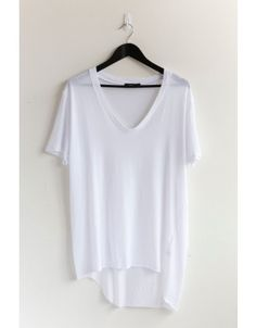 Obsessed with these Bassike v neck tees. So soft & slouchy