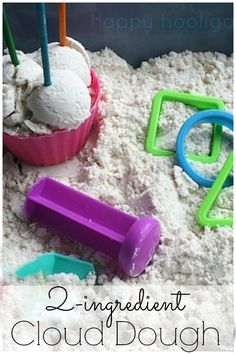 2 Ingredient Cloud-Dough: the ultimate sensory dough! Â Cloud dough requires only 2 common household ingredients, and it Sensory Play Recipes, Sensory Activities, Sensory Bins, Preschool Activities, Play Activity, Sensory Table, Summer Activities, 10 Month Old Baby Activities, Activity Bags