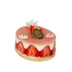 Le Fraisier [Madeleine biscuit soaked with citrus fruits infusion, Madagascar vanilla cream, strawberries] | Ladurée