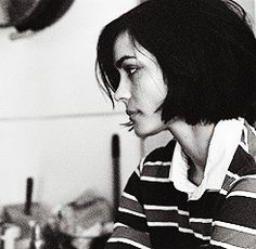 Beauty + hair : Shannyn Sossamon + dark brown bob