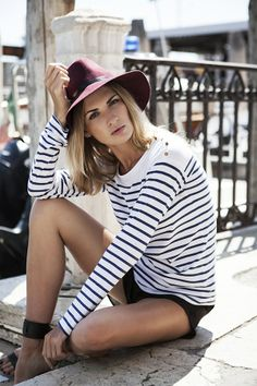 fail-proof, throw-on-and-go combo for Spring/Summer: navy + white striped tee & short shorts #StreetStyle