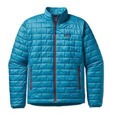 Nano mais chaude et costaud !  Coupe-vent, résistante à l'eau, légère et utra-compressible, la veste Nano Puff® de Patagonia est une pièce maîtresse du dressing des aventuriers.