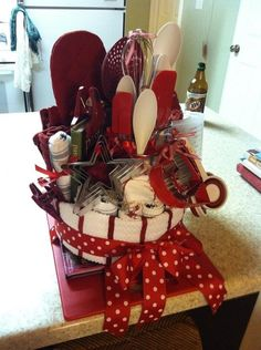 towel cake, kitchen gifts, wedding shower gifts, gift ideas, diy gift, wedding showers, bridal shower gifts, housewarming gifts, gift basket