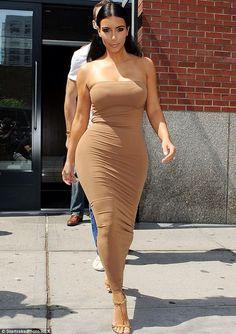 Fashionable #dress                 #KimKardashian