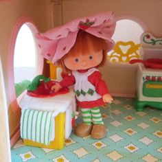Kitchen Sink for Strawberry Shortcake Berry Happy Home Dollhouse | Brown Eyed Rose