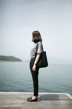 ไอเดียแต่งชุด 'ขาวดำ' สไตล์สาวออฟฟิศ