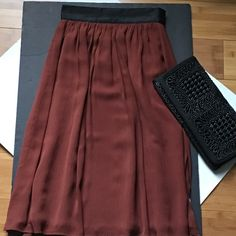 """NUTMEG FULL SKIRT Ooh La La!! Side zip and double hook. Fully lined. 26"""" length. Waist 12.5"""". Pic 3 has 2 snags. Not noticeable when wearing. 100% polyester. Great for dress or casual dress. ⚫️NO TRADE. NO PAYPAL⚫️ H&M Skirts A-Line or Full"""