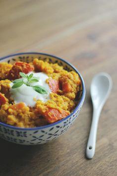 Kürbis-Linsen-Curry mit Erdnüssen