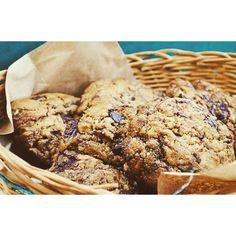Vegan Chocolate Chip Cookies ♥  #vegano #veganism #vegancookies #veganfood #veganfoodshare #veganfoodporn #cookies #chocolatechip #galletas #galletasveganas #whatveganseat #chocolate #veganchocolate