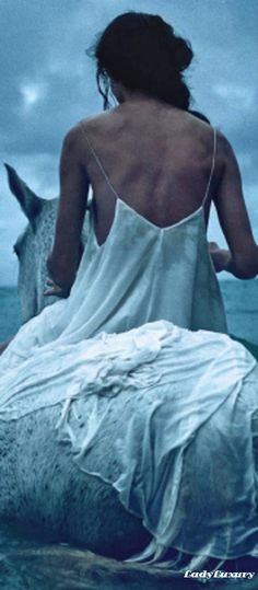 Lady Luxe Summers-   Vogue Australia   | LadyLuxuryDesigns