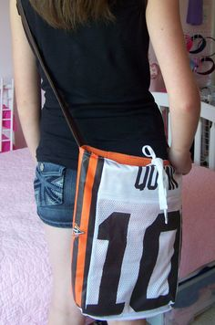 diy hockey jersey purse - Google Search Hockey Tournaments, Hockey Teams, Youth Hockey, Blackhawks Hockey, Soccer, Hockey Gifts, Hockey Stuff, Softball Gifts, Hockey Stick Crafts