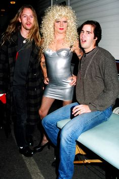 Jerry Cantrell, Flea, Krist Novoselic Flea is killin it in that dress lol