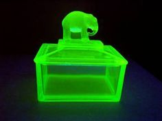 VASELINE GREEN DEPRESSION GLASS ELEPHANT CIGARETTE BOX Cigarette Box, Vaseline Glass, Depression, Glass Art, Glow, Elephant, Antiques, Green, Vintage