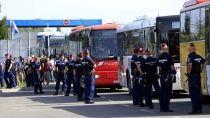 Будапешт пригрозил отказать Хорватии в присоединении к Шенгену из-за беженцев. Власти Венгрии могут заблокировать присоединение Хорватии к Шенгенскому соглашению, так как Загреб не защищает общие границы. Австрия,Ближний Восток,Венгрия,Европейский союз,беженцы,войны и вооруженные конфликты. НТВ.Ru: новости, видео, программы телеканала НТВ